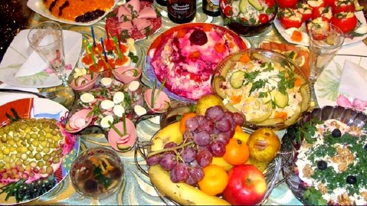 новогодний праздничный стол 2