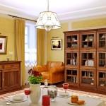 уютное сочетание теплых цветов интерьера и мягкого декора мебели