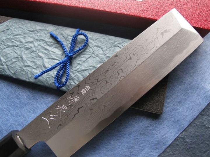 Японский нож из дамасской стали