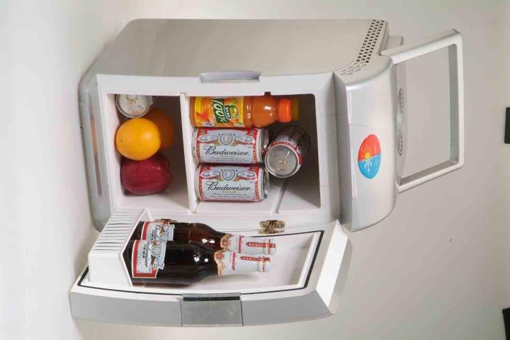 Компрессорный холодильник для автомобиля