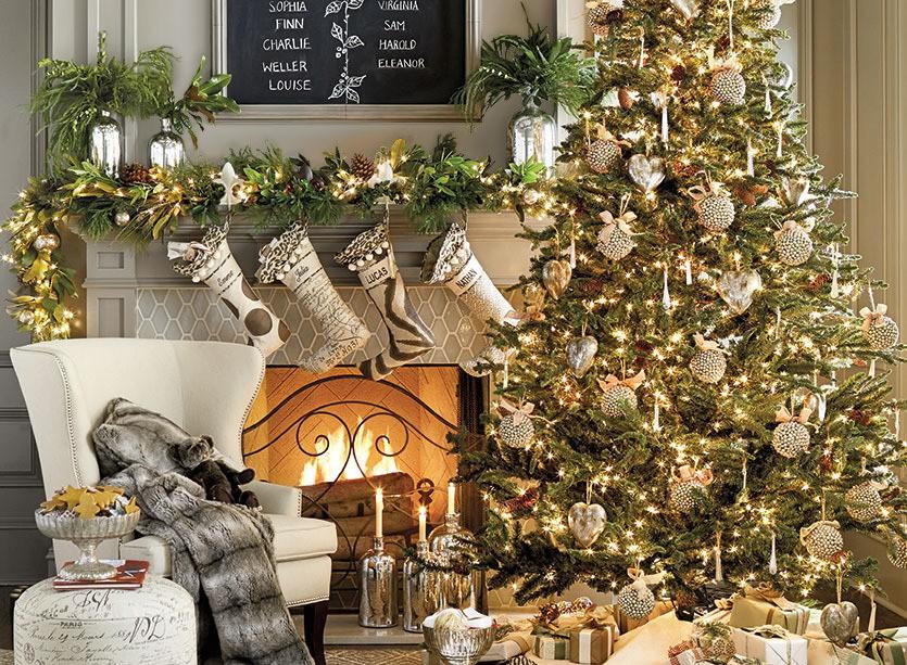 Бело-золотой декор комнаты к Новому Году