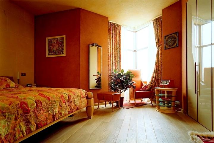 терракотовый цвета при оформлении спальни