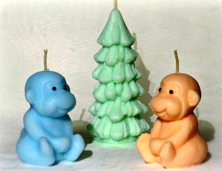Тематические свечи для новогоднего стола