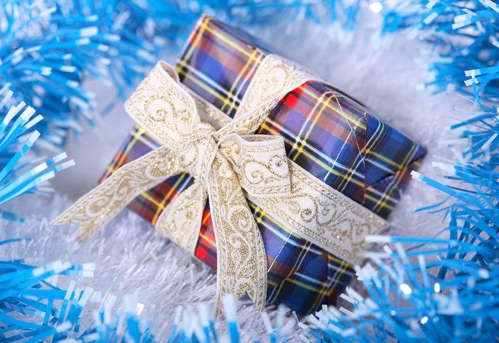 Эффектная упаковка новогоднего подарка