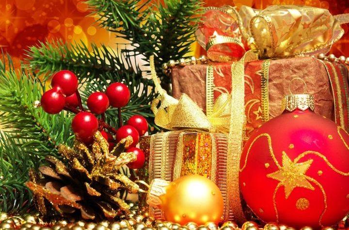 Декоративное украшение новогодней упаковки для подарков