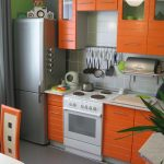 Фото 63: Яркая маленькая кухня