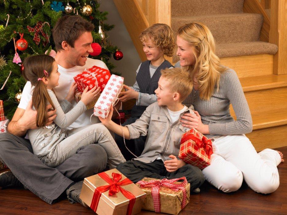 Обмен новогодними подарками