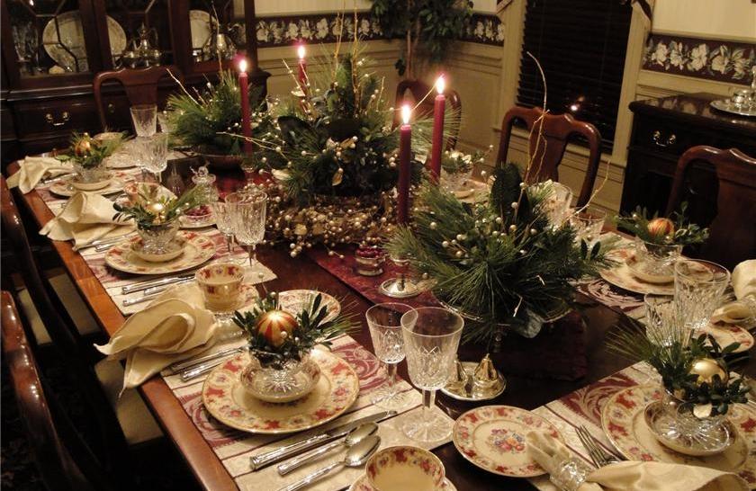 Рождественские икебаны на столе