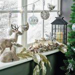 Фото 70: Зимняя инсталляция на окне