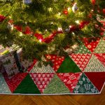 Фото 65: Новогодний коврик для елки в стиле пэчворк