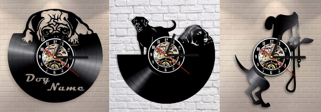 Часы в виде собачек из пластинок