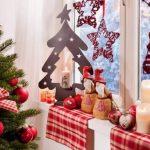 Фото 68: Украшение окна новогоднее