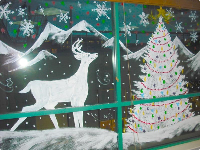 Зимние сюжеты на окне