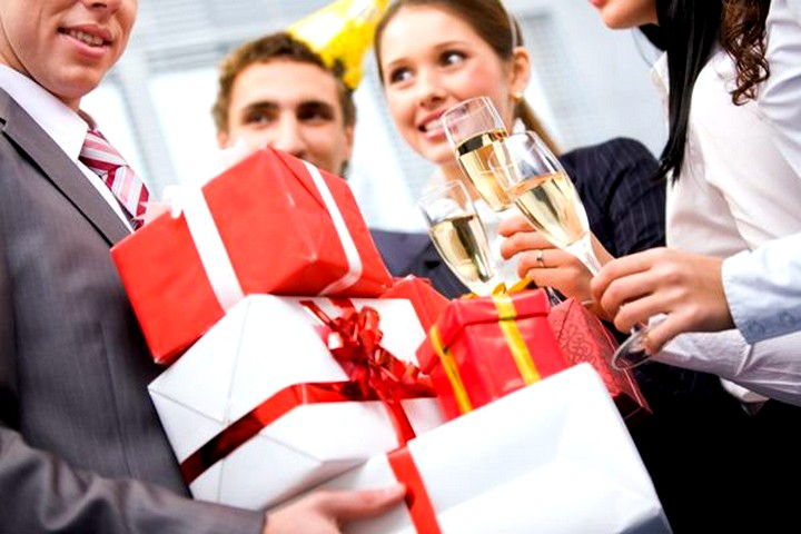 Как выбрать подарок на юбилей 9)