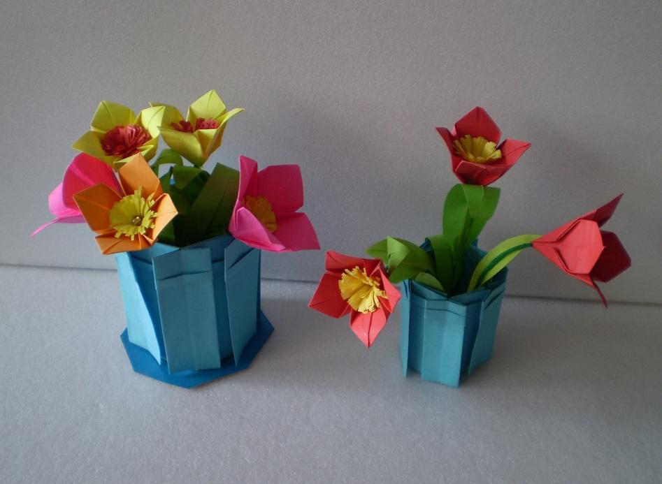 Объемные вазочки с цветами из бумаги
