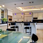 Дизайн потолка на кухне (11)