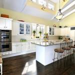 Дизайн потолка на кухне (14)
