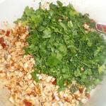 Приготовление блюда с кинзой