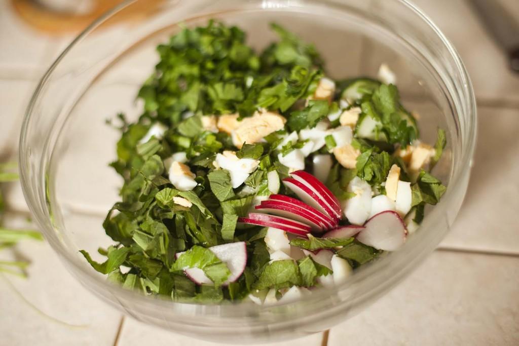 Салат из сныти с редисочкой