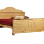 Фото 1: Кровать из дерева