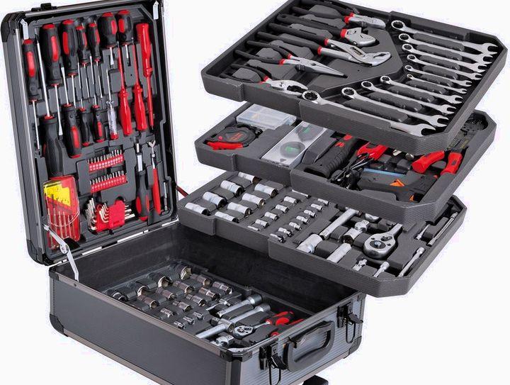 Набор инструментов в подарок мужу