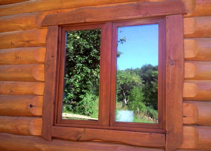 Простой наличник для деревянного окна