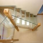 Фото 13: Лестница из стекла