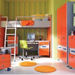 Комната с двухъярусной мебелью