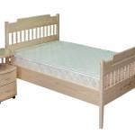 Кровать с тумбочкой из сосны