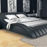 Необычная двуспальная кровать