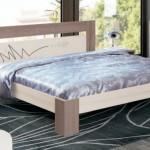 Фото 24: Двуспальная кровать из дерева
