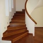 Фото 24: Лестница с поворотом