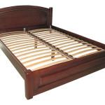 Кровать из сосны с лаком