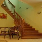 Двухэтажная лестница