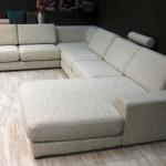 Фото 30: Светлый диван