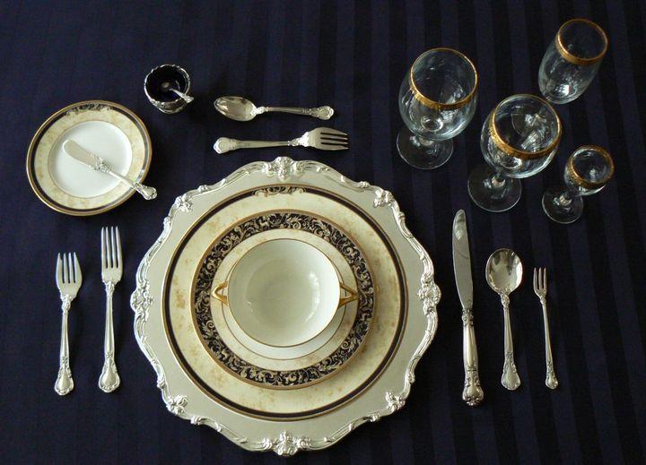 Класический способ сервировки праздничного стола