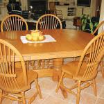Фото 9: Стол покрытый лаком
