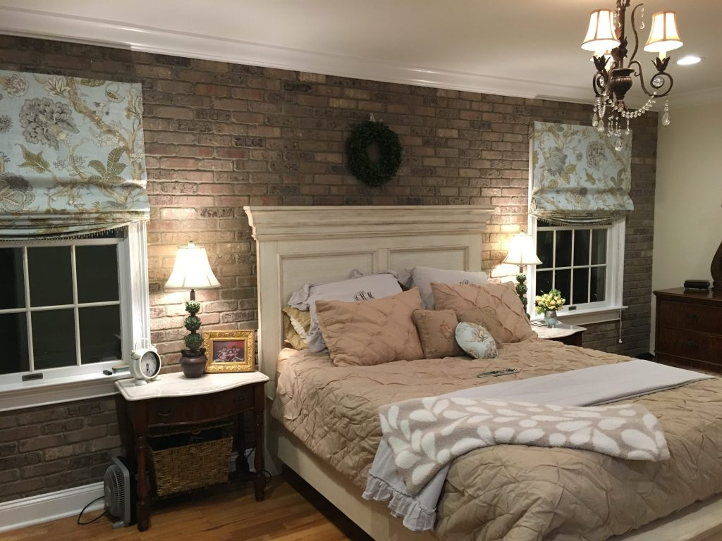 Римские шторы в спальне