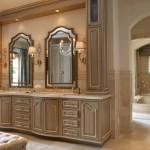 Фото 12: Мебель для ванной в классическом стиле