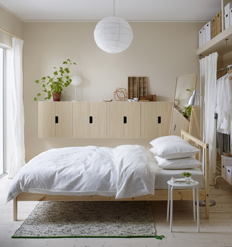 Кровать фирмы IKEA