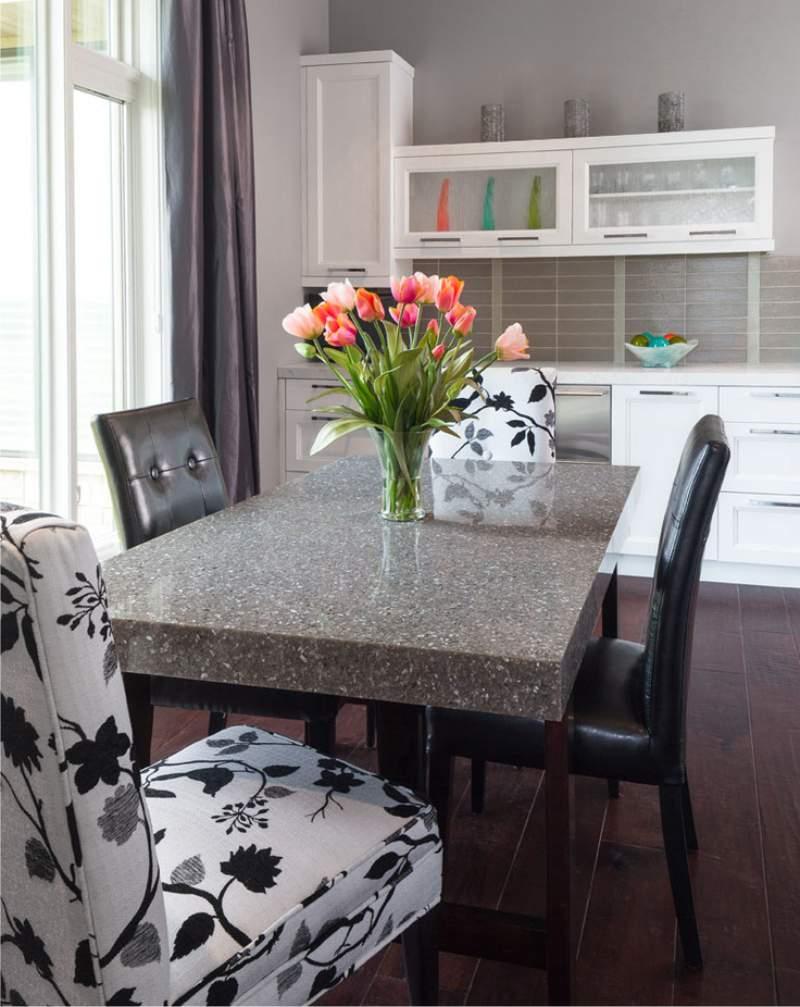 Стол из камня на кухню