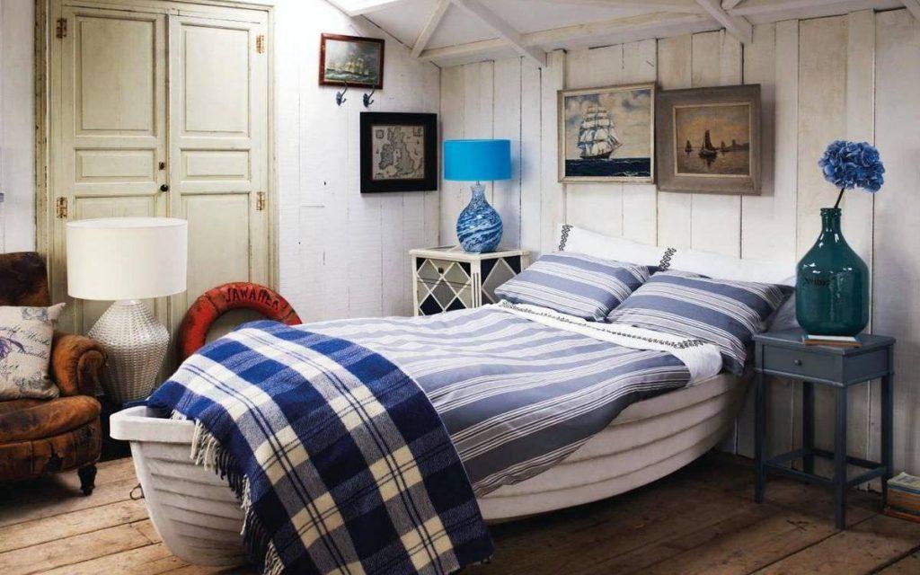 Кровать-лодка в морском стиле