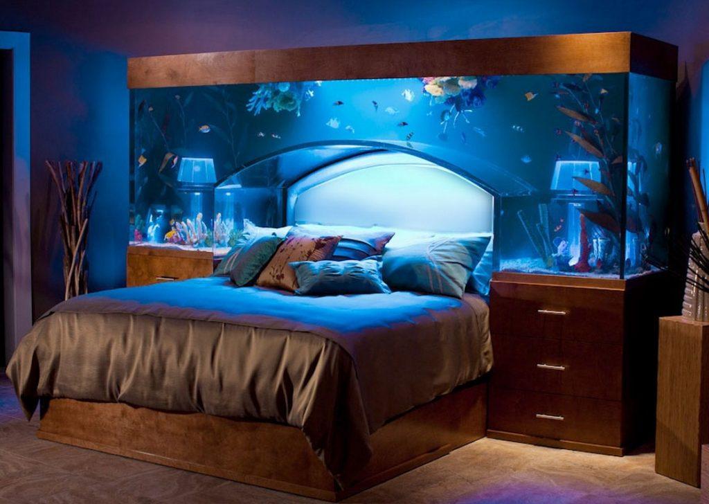Кровать с аквариумом