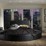 Фото 69: Круглая кожаная кровать