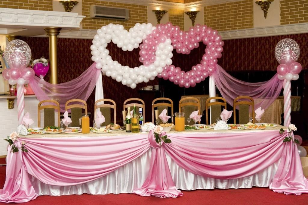 Оформление свадьбы в розовом стиле с воздушными шарами