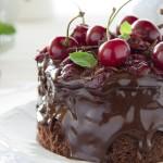Фото 23: Шоколадный торт с вишней