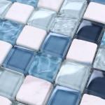 Фото 30: Стеклянная плитка в ванной