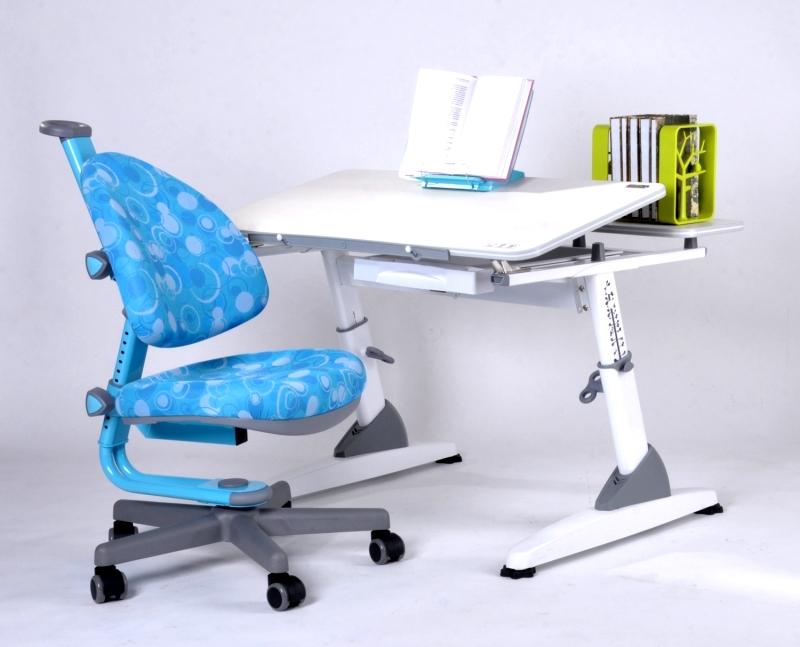 Стол для школьника с регулировкой подъема