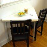Фото 108: Треугольный столик на кухне