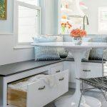 Фото 47: Кухонный уголок с выдвижными ящиками